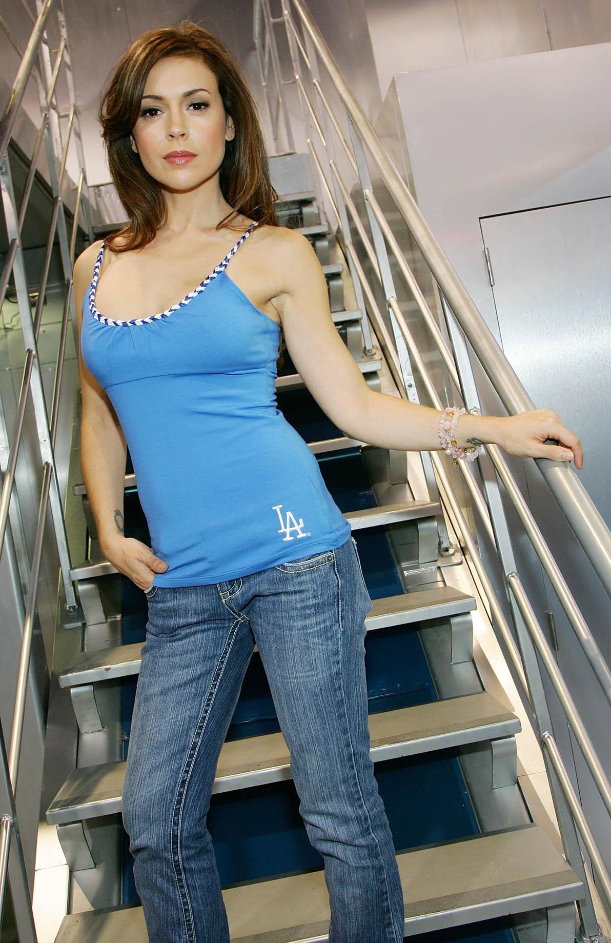 Смотреть алиса милано 3 фотография